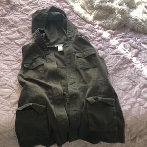 Olive vest with hood